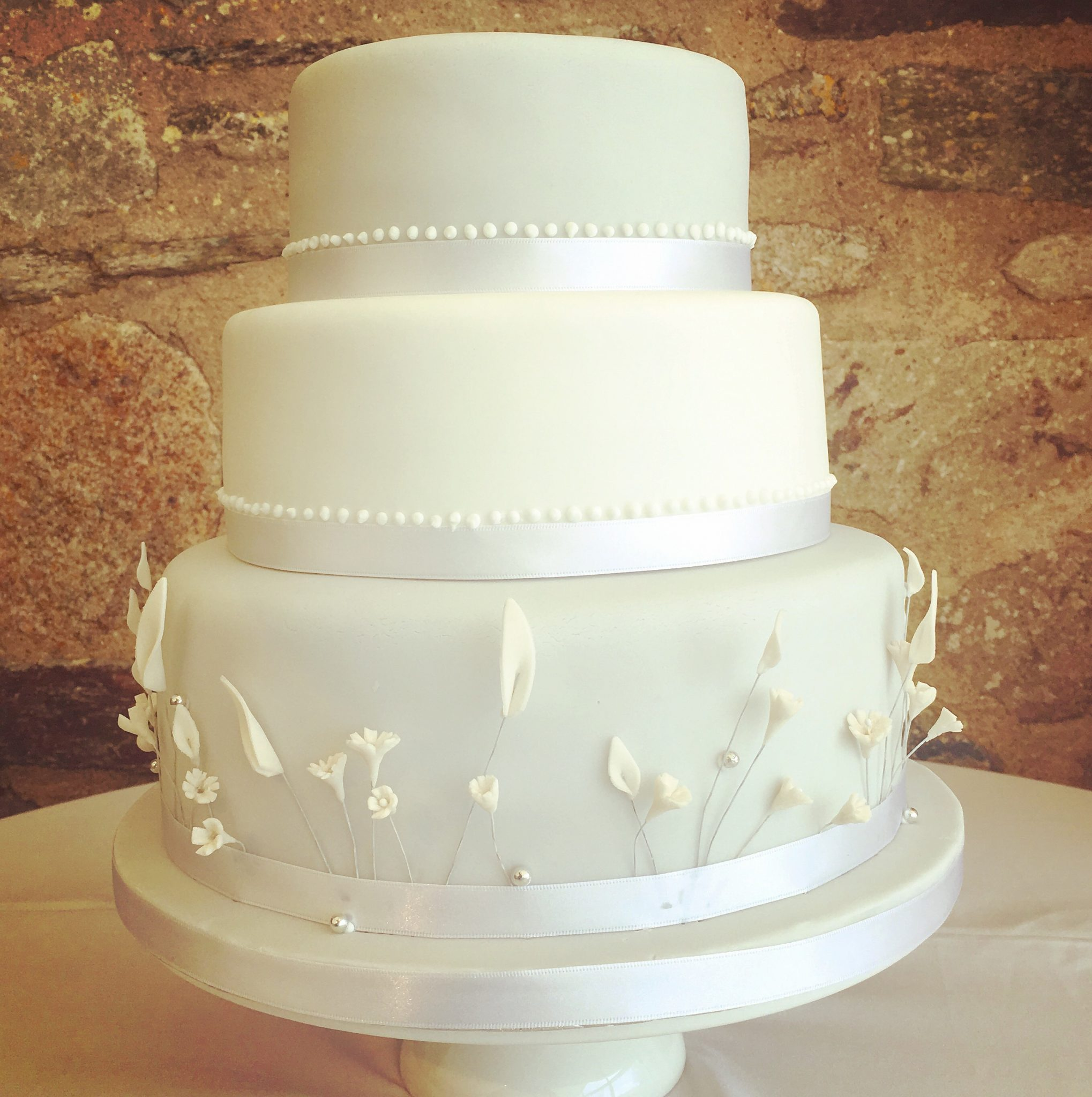 wedding cakes newquay cornwall wedding cakes by trevenna exclusive use weddings cornwall 25086
