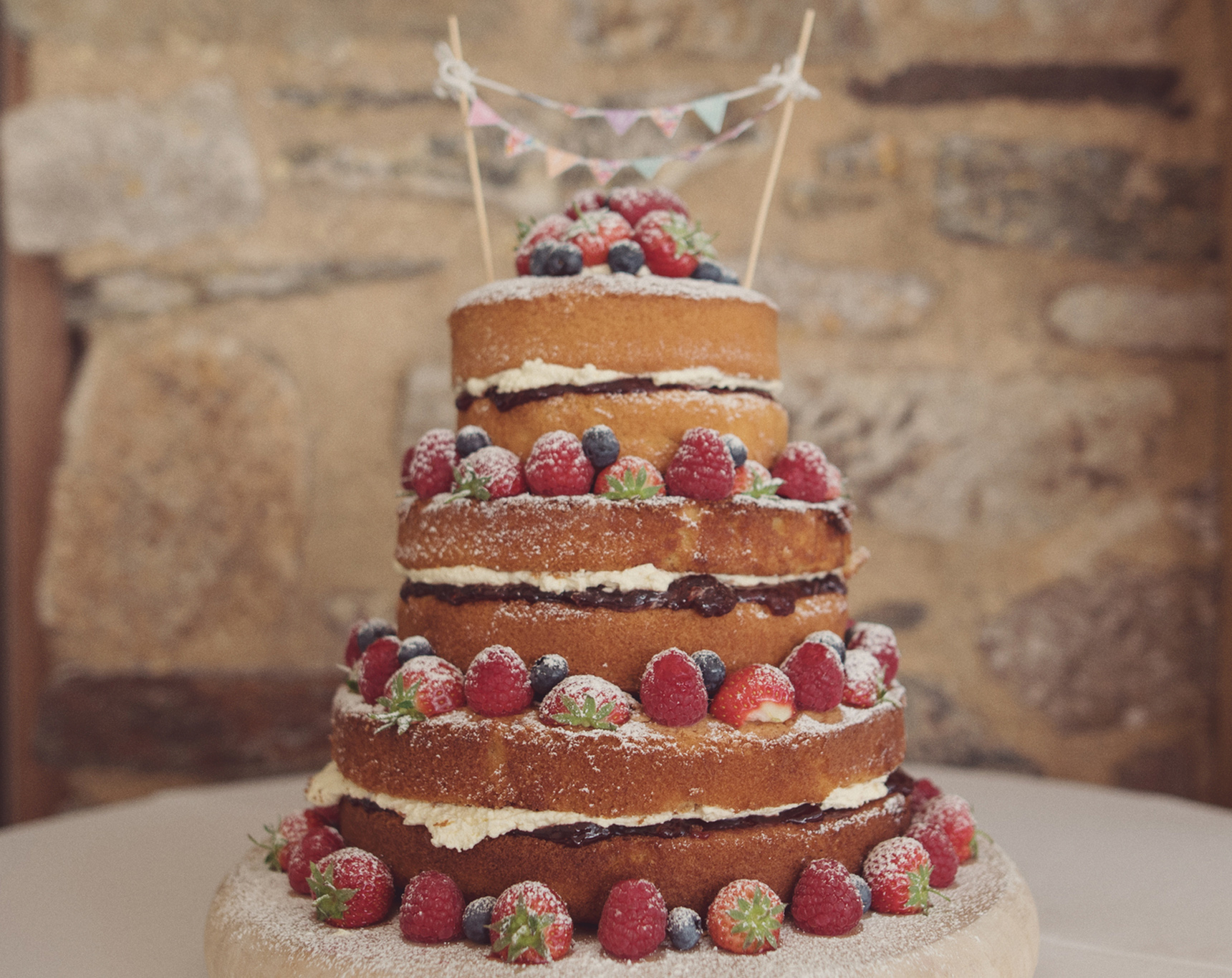wedding cakes easy to make on your own wedding cakes by trevenna exclusive use weddings cornwall 24244